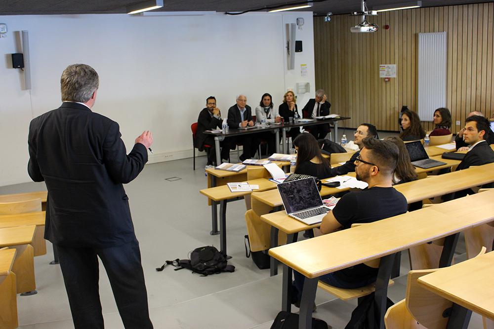 Le rôle de la pratique dans l'enseignement du droit